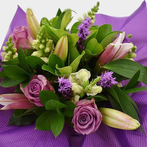 Premium Gift Bouquet Lavender & Pink Cupcake